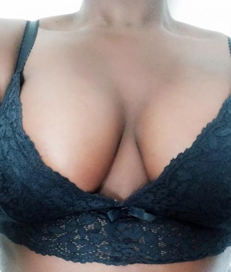 Vends lingerie portée et photos hot !