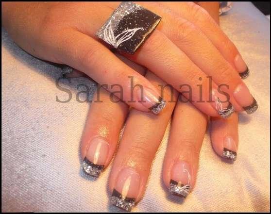Faux ongles a bordeaux et formations