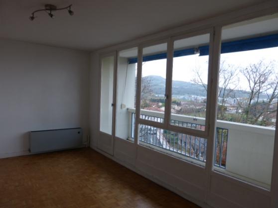 appartement T2 au 3ème étage sur 3