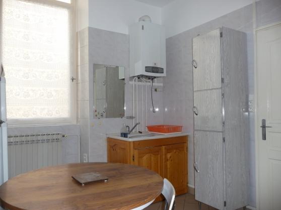 Appartement T2 calme interphone privas c