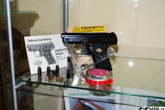 Recherche pistolet Perfecta Model. 50