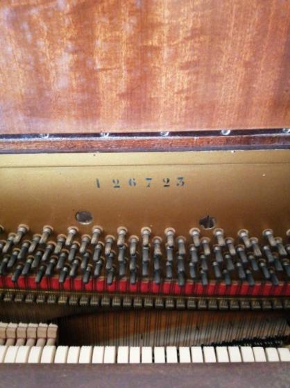 Piano droit Erard- en bon état - Photo 3