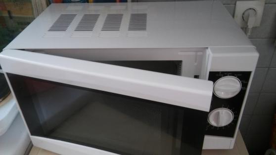 Micro-ondes très neuf
