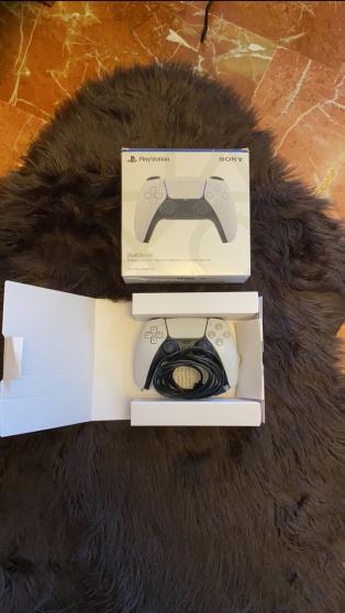 PlayStation 5 avec le lecteur DVD - Photo 2
