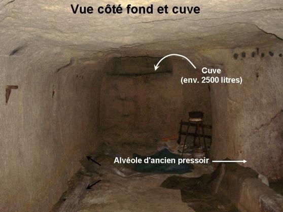 Cave dans la roche de tuffeau à Chinon