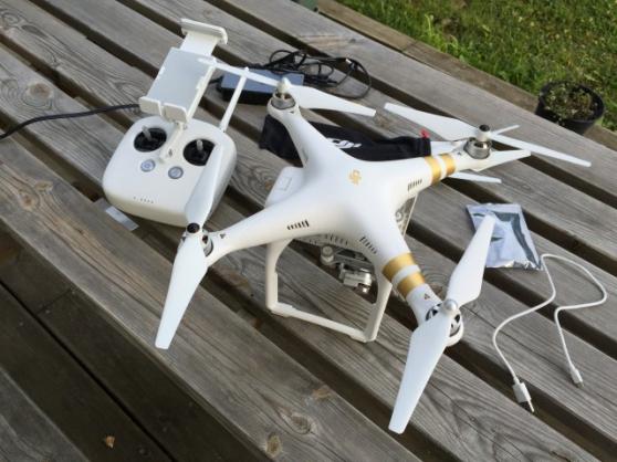 Drone DJI Phantom 3 Professional camera