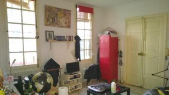 AIX CV Rue de Montigny : T1 rdc