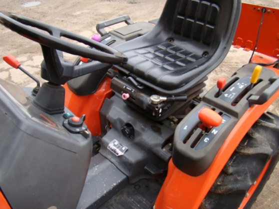 Tracteur Kubota B1410 - Photo 2