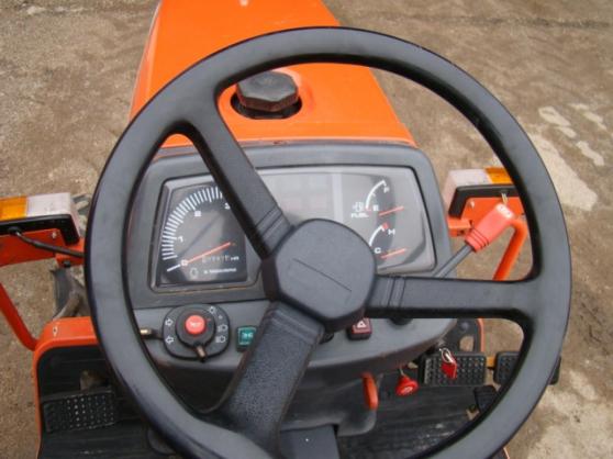 Tracteur Kubota B1410 - Photo 3