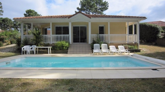 A vendre villa de type 5 avec piscine