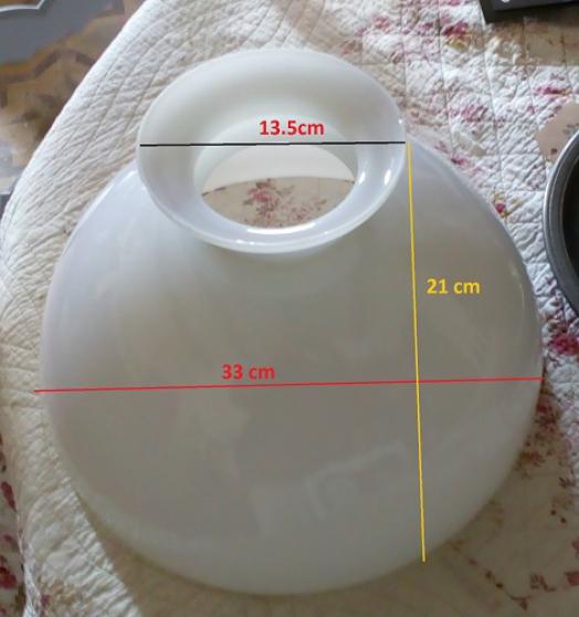 abat jour dôme en opaline blanche