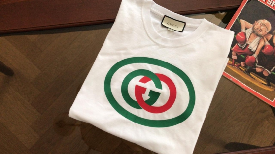 "Neuf Gucci GG Tee-shirt ""L"" logo; Plein"