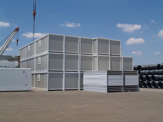 campements de travailleurs mat riaux de construction baraques de chantier espagne barcelone. Black Bedroom Furniture Sets. Home Design Ideas
