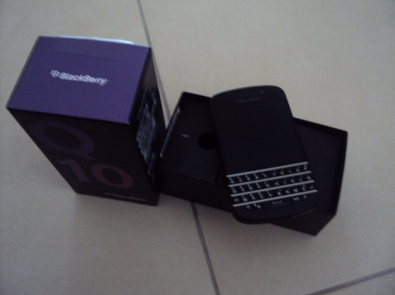 BLACKBERRY Q10 NEUF