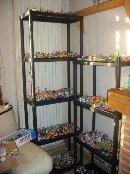 150 kinders figurines