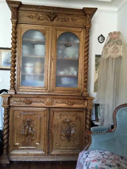 vends buffet tres ancien paris antiquit art. Black Bedroom Furniture Sets. Home Design Ideas