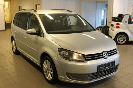 Petite Annonce : Volkswagen touran - VOLKSWAGEN Touran A vendre VOLKSWAGEN Touran 1.9 TDI 105 cv 7