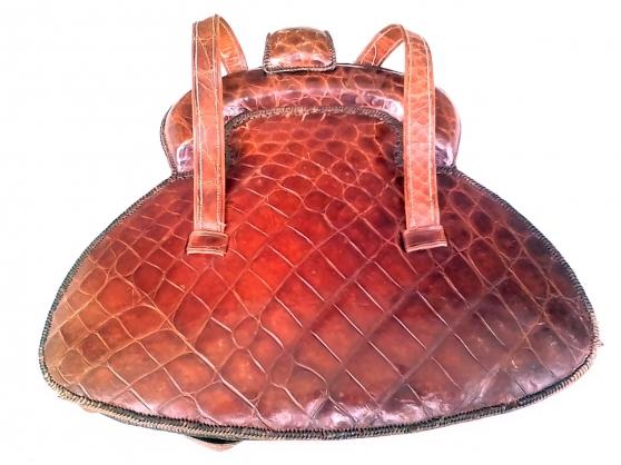 Annonce occasion, vente ou achat 'Sac à main en croc o véritable'