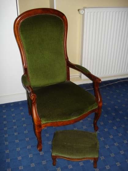 Fauteuil voltaire et repose pieds bissey sous cruchaud meubles d coration - Vente fauteuil voltaire ...