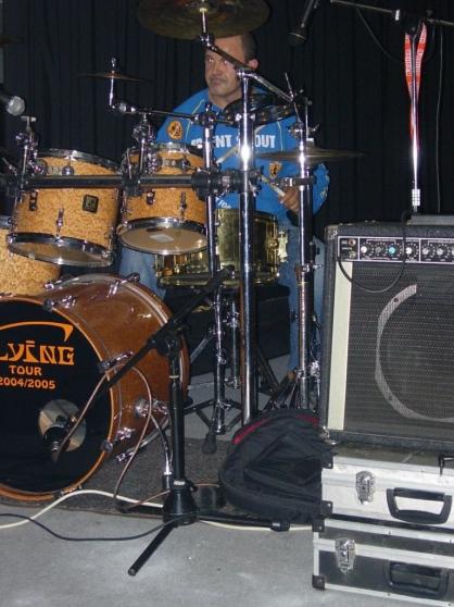 Batteur cherche groupe pour live