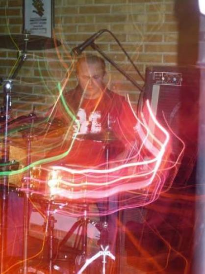 Batteur cherche groupe pour live - Photo 3