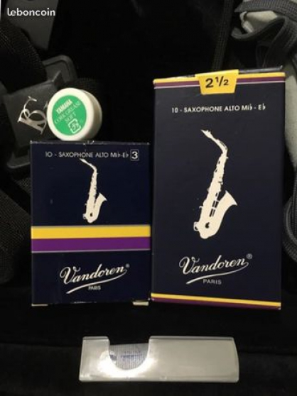 Saxophone Alto Yamaha 275 - Photo 2