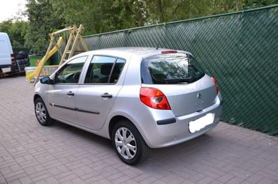Voiture Renault Clio avec papiers a jour