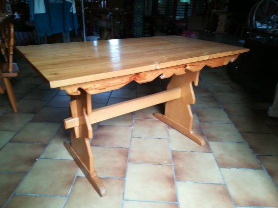 TABLE STYLE MONTAGNARD