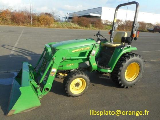 tracteur agricole John Deere 3036 E