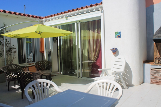maison avec grande terrasse rosas espagne barcelone immobilier a vendre etranger espagne. Black Bedroom Furniture Sets. Home Design Ideas