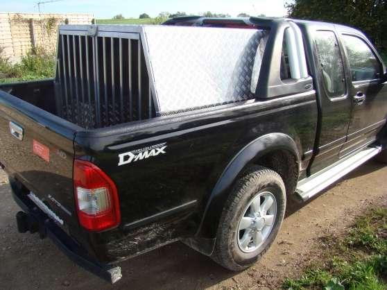 caisson de transport pour chien 4x4 magny cours auto accessoires divers acc auto magny cours. Black Bedroom Furniture Sets. Home Design Ideas