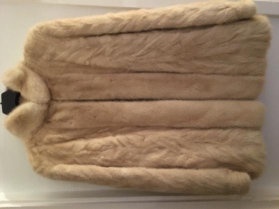 Veste véritable vison ivoire T. 42-44