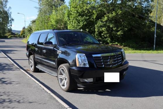 Cadillac Escalade ESV 7 places
