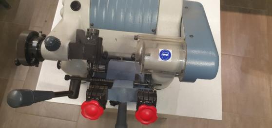 Machine à reproduction de clés