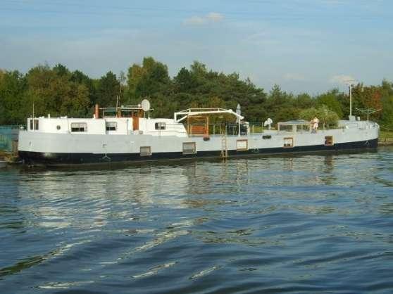 bateaux logement situe a huy immobilier a vendre bateaux logements belgique bruxelles. Black Bedroom Furniture Sets. Home Design Ideas