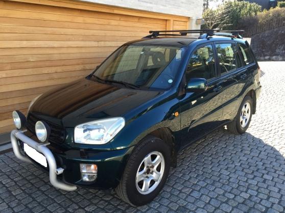 Toyota rav4 2 0 essence 150hp auto toyota villefranche for Garage auto villefranche de rouergue