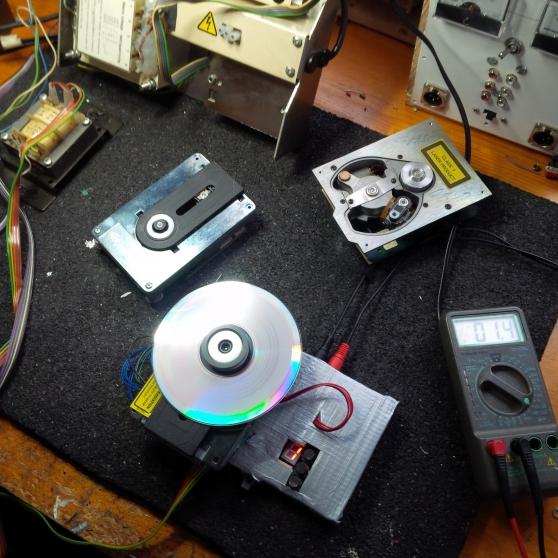 DEPANNAGE PLATINE CD JUKEBOX