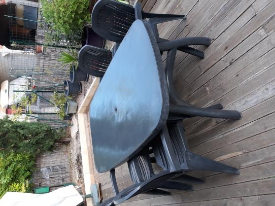 Annonce occasion, vente ou achat 'Table et chaises de jardin'