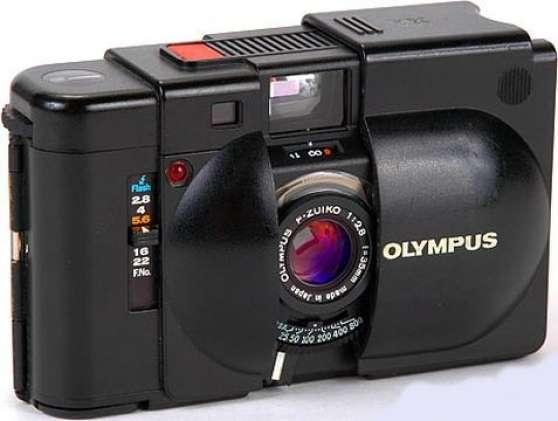 APPAREIL PHOTO OLYMPUS XA + FLASH A11