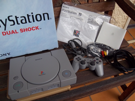 CONSOLE PLAY STATION ONE