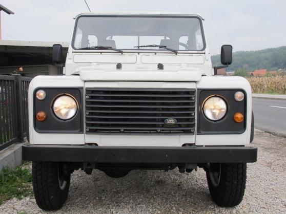 Petite Annonce : Land rover defender 200 tdi pick up - Land rover defender 200 tdi pick up  Kilomètrage : 194.000 Type de