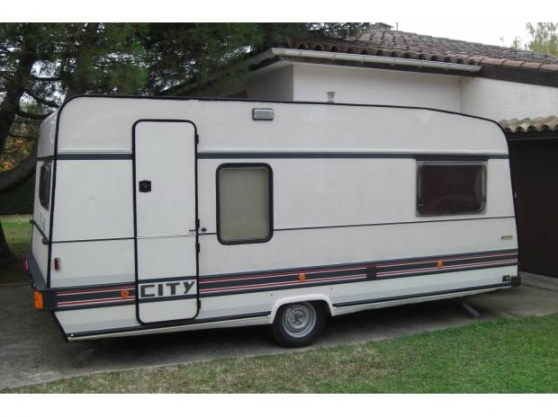 Annonce occasion, vente ou achat 'Caravane BURSTNER City'