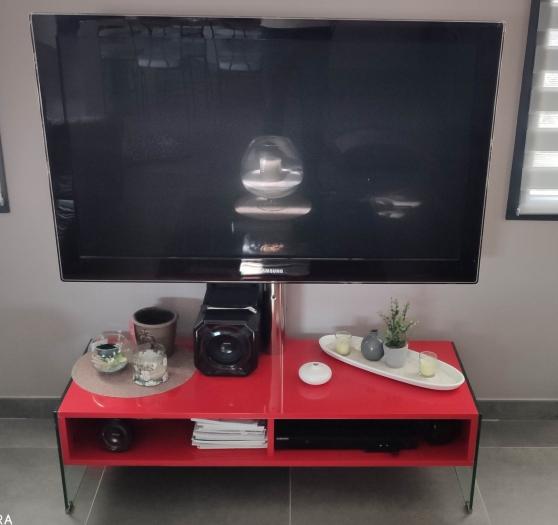 Meuble tv de marque Yamaha rouge