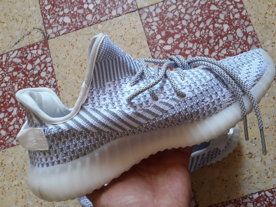 Annonce occasion, vente ou achat 'Adidas yeezy 350 pointure 42 .'