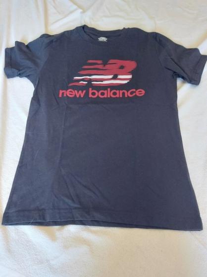 Annonce occasion, vente ou achat 'T.shirt noir new balance T.M neuf'