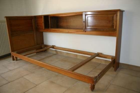 vends cosy avec t te de lit meubles d coration lits b ziers reference meu lit ven petite. Black Bedroom Furniture Sets. Home Design Ideas