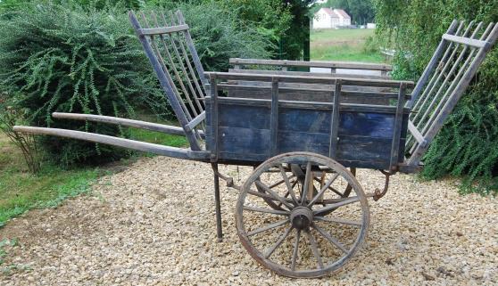 charrette en bois jardin nature divers jardins. Black Bedroom Furniture Sets. Home Design Ideas