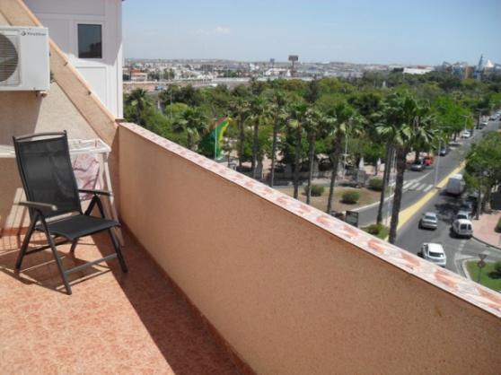 appartement a cote de la mer immobilier location appartements 3p espagne barcelone. Black Bedroom Furniture Sets. Home Design Ideas