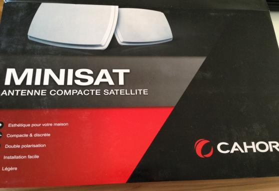 Antenne compacte satellite neuve