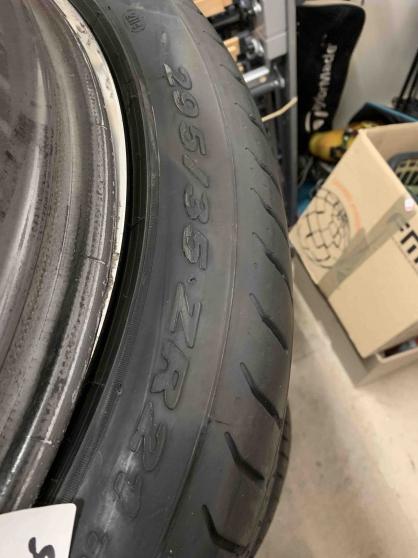 pneumatiques pirelli p zero 295/35/21 - Annonce gratuite marche.fr